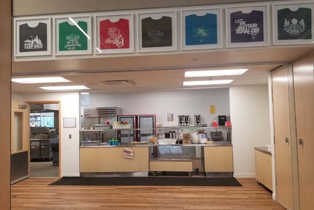 Gatts' Lodge interior - servery